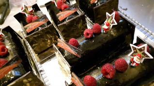 Une délicieuse bûche festive de pâtissier - Les Délices de Julie - Strasbourg